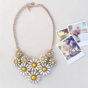 Daisy Bib Necklace!